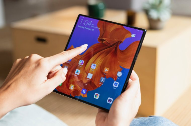 Huawei Mate X the World's First 5G Foldable Phone 3