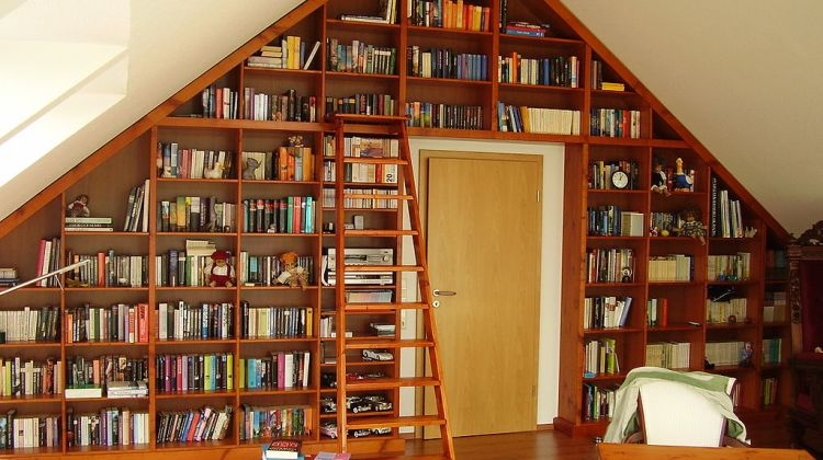 Indie Authors: An Overview of Book Distribution Options