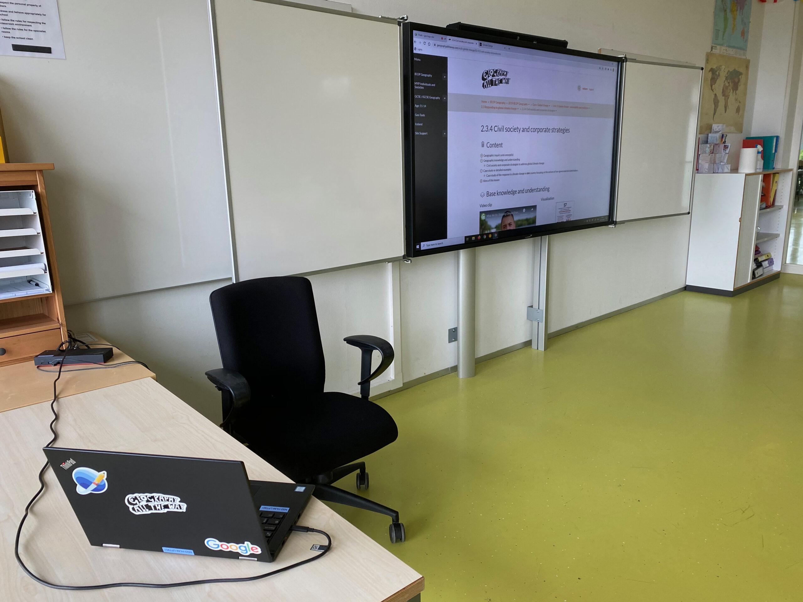 Hybrid teaching set-up