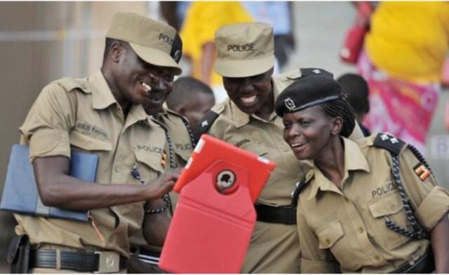 UGANDA-POLICE ON IPAD