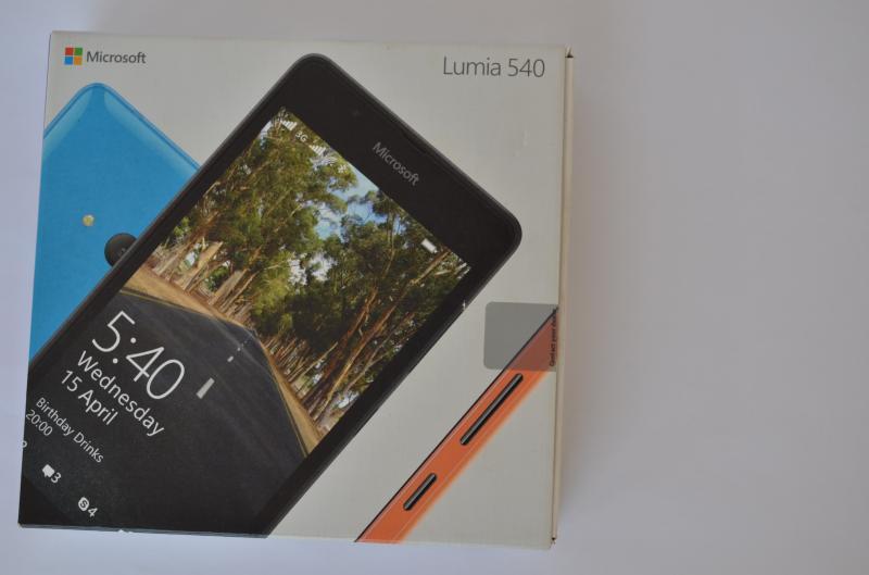 Lumia 540 box