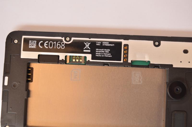 Lumia_640XL_simcards