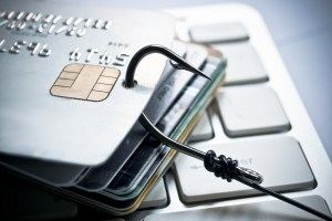 How to avoid credit/debit card fraud