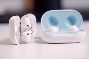 Galaxy buds VS Airpods: the Best Wireless Earbuds