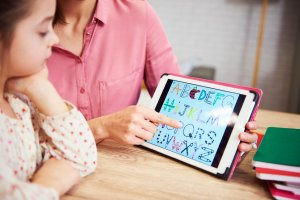 Best 7 Mobile Apps for Children to Maximize Their Performance at Home