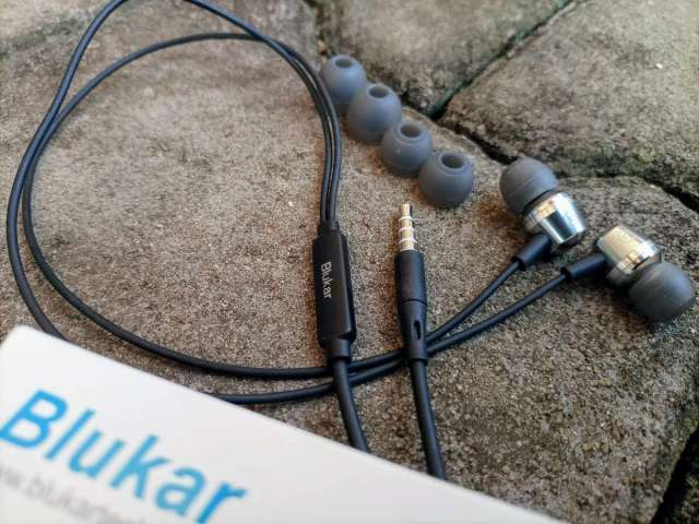 Blukar In-ear earphones