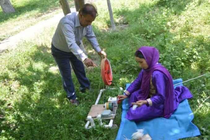 E-Charkha: Kashmiri Textile Engineer Develops A Boon - Digpu
