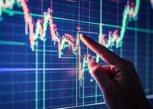 Equity indices in the green, banking stocks perform well