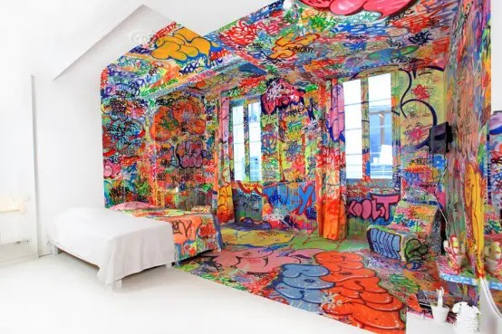 Half Graffiti Bedroom (via <a rel=