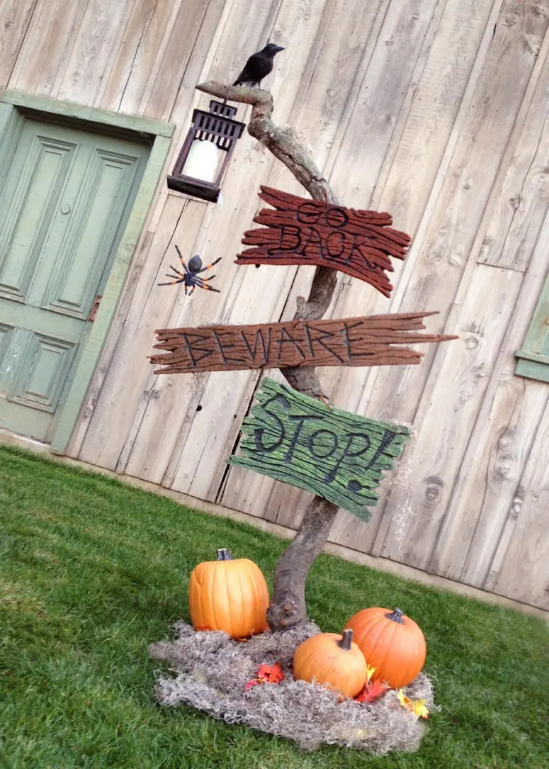 125 Cool Outdoor Halloween Decorating Ideas - DigsDigs on Lawn Decorating Ideas id=36380