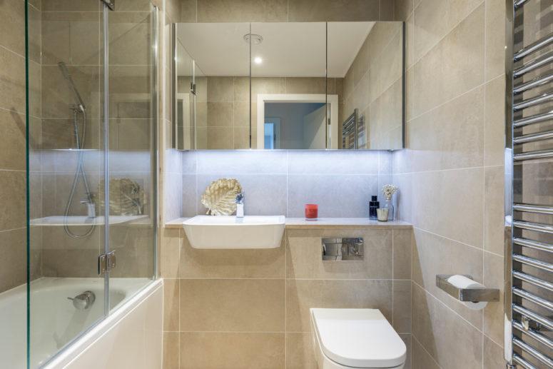 relaxing beige bathroom design ideas