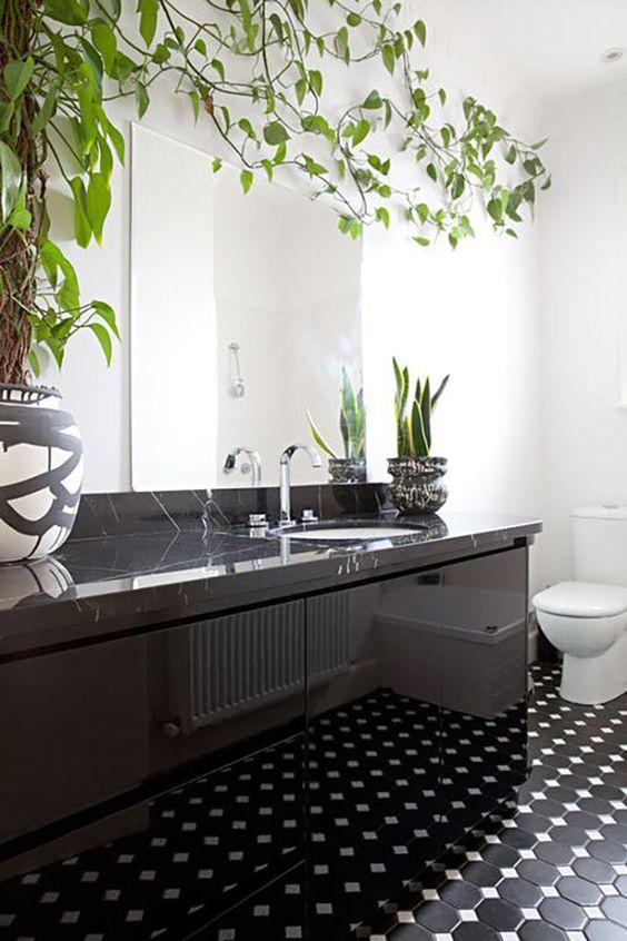 69 Greenery And Flower Decor Ideas For Bathrooms - DigsDigs on Monochromatic Bathroom Ideas  id=44648