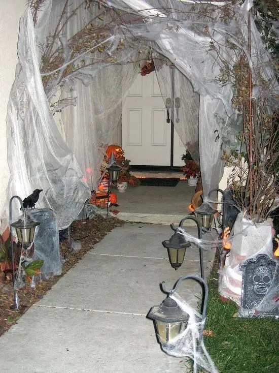 60 Awesome Outdoor Halloween Party Ideas - DigsDigs on Awesome Ideas  id=45119