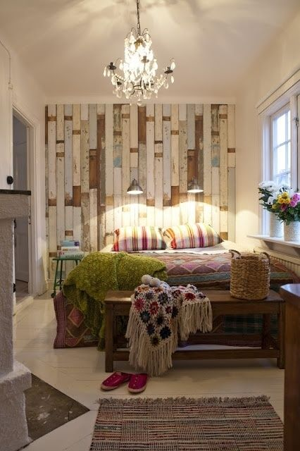 30 Wood Accent Walls To Make Every Space Cozier - DigsDigs on Pallet Bedroom  id=93091