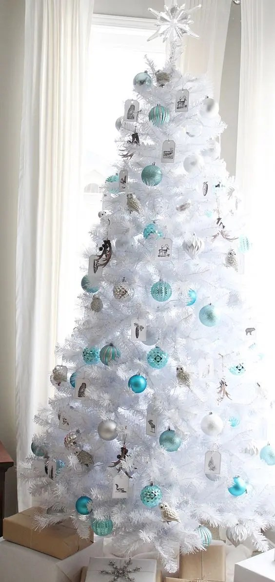 White And Silver Winter Holiday Decor Christmas Tree Decorating Ideas