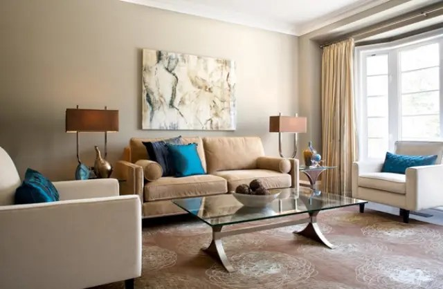 26 Cool Brown And Blue Living Room Designs   DigsDigs eclectic lviing room in calm brown shades with a couple of bold blue pillows