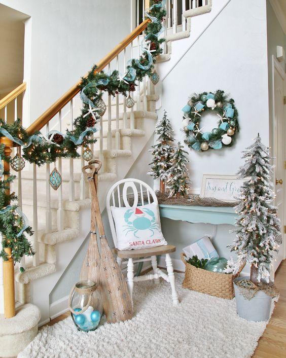 Beachy Christmas Tree Decorating Ideas