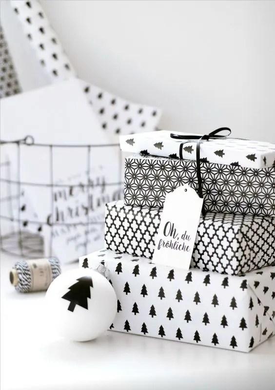 32 Modern Black And White Christmas Dcor Ideas DigsDigs