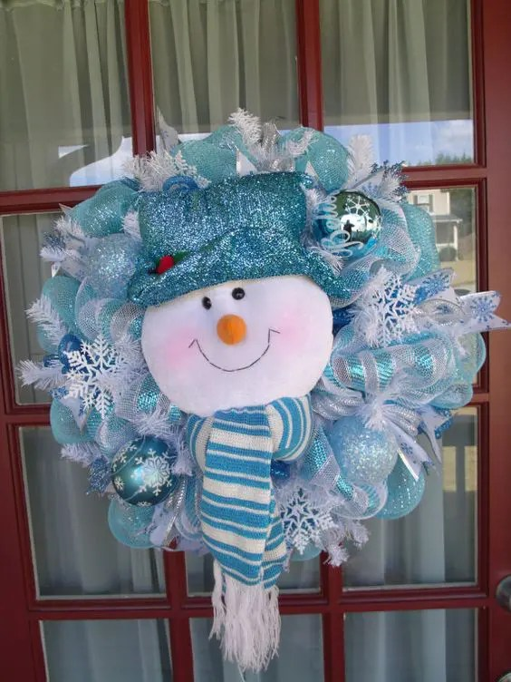 35 Frosty Blue And White Christmas Dcor Ideas DigsDigs