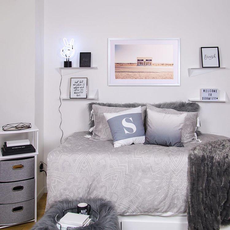 "45 Cool Dorm Room Décor Ideas You'll Like - DigsDigs on ""Room Decor""  id=59810"