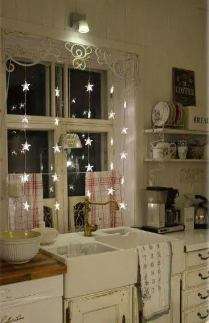 25 Awesome Ways To Use String Lights In Kitchens DigsDigs