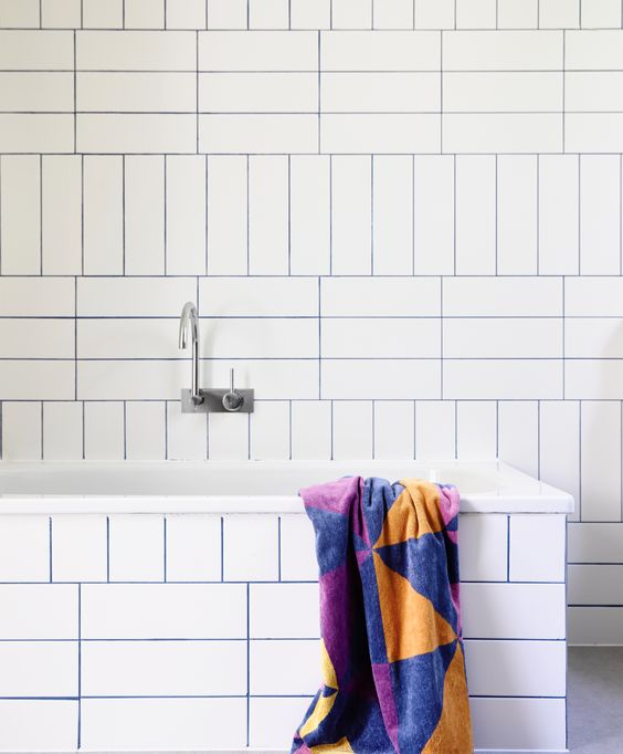 25 trendy colorful and metallic grout