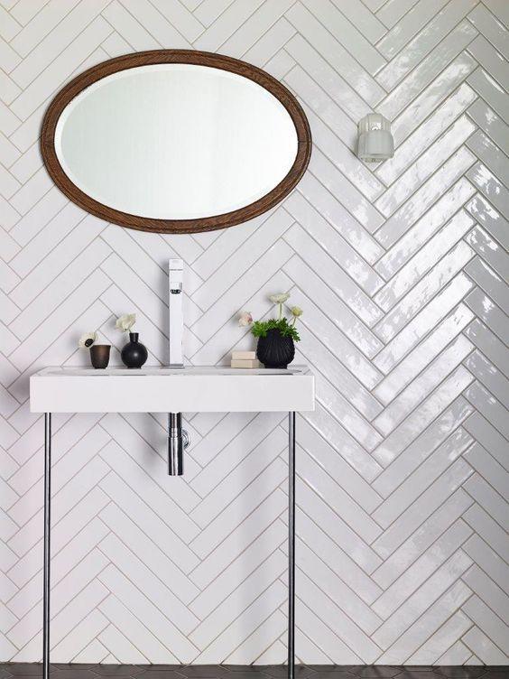 use skinny tiles in bathrooms