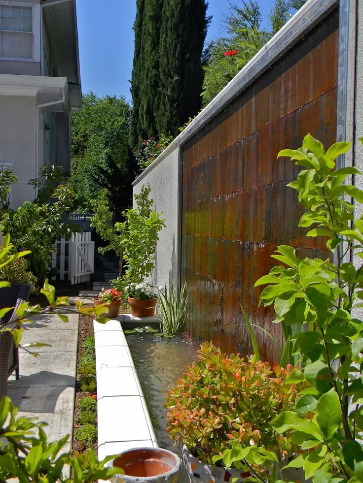 38 Amazing Outdoor Water Walls For Your Backyard | DigsDigs on Backyard Feature Walls  id=82382
