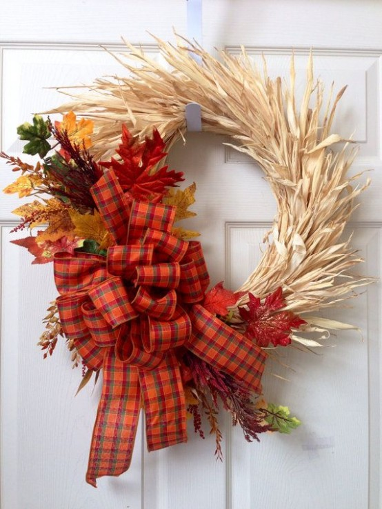 22 Awesome Fall Wreaths With Corn And Corn Husk DigsDigs