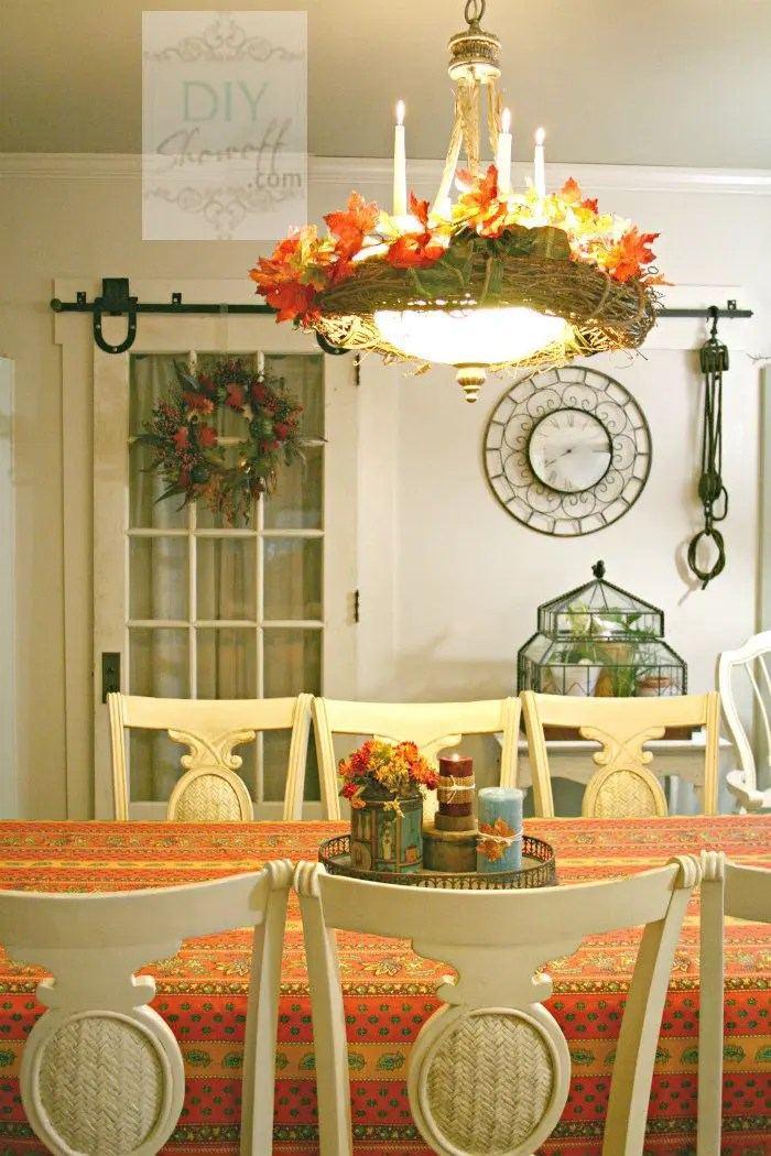 30 Beautiful And Cozy Fall Dining Room Décor Ideas | DigsDigs on Room Decorations  id=75877