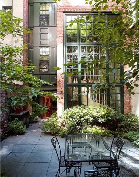 26 Beautiful Townhouse Courtyard Garden Designs - DigsDigs on Townhouse Patio Ideas id=92361