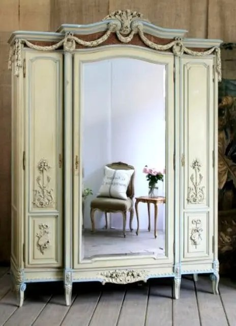 20 Beautiful Vintage Closets Youll Never Want To Leave