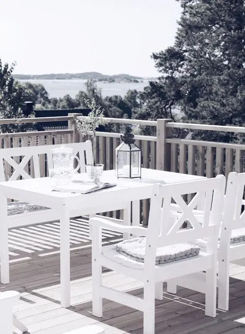 25 Calm Scandinavian Terrace Designs DigsDigs