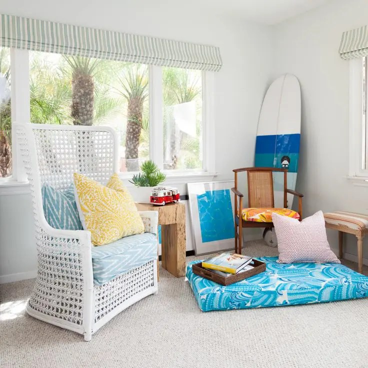 "33 Cheerful Summer Living Room Décor Ideas | DigsDigs on ""Room Decor""  id=24418"