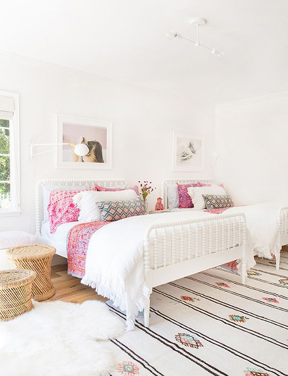 22 Chic And Inviting Shared Teen Girl Rooms Ideas - DigsDigs on Rooms For Teenagers  id=93183