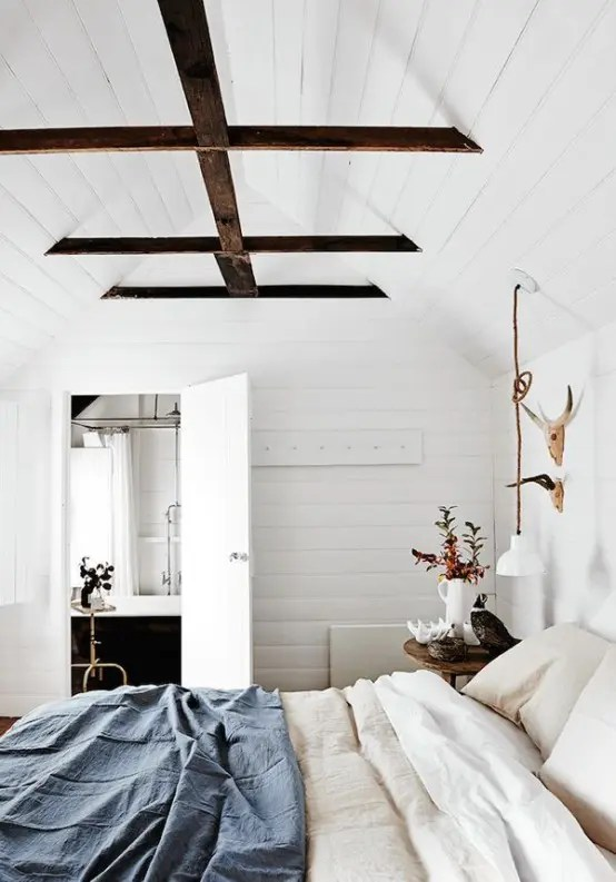 Our gallery of bedroom ideas will help you decorate your space to suit you. 35 Chic Bedroom Designs With Exposed Wooden Beams - DigsDigs