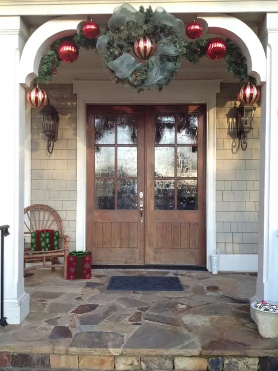 Diy Christmas Porch Ideas 30
