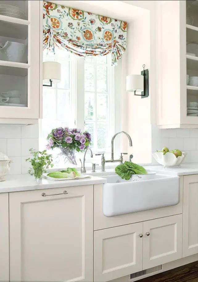 31 Cozy And Chic Farmhouse Kitchen Décor Ideas | DigsDigs on Farmhouse Kitchen Ideas  id=93938