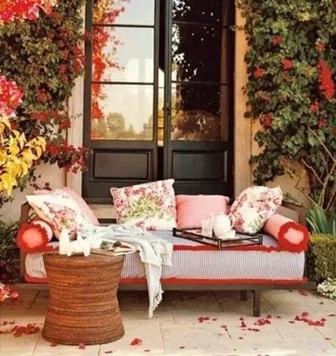 55 Cozy Fall Patio Decorating Ideas - DigsDigs on Cozy Patio Ideas id=26342