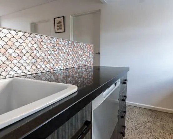 32 Gorgeous And Eye Catching Fish Scale Tiles Dcor Ideas