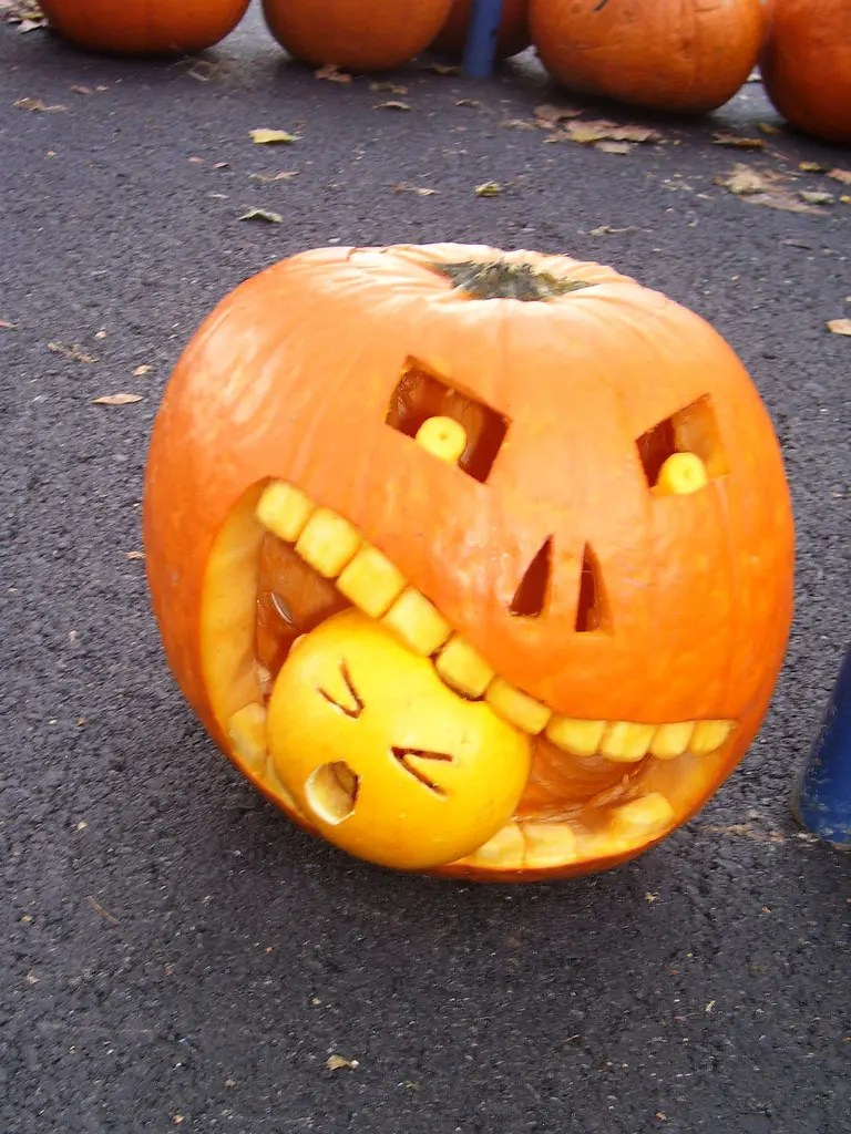 100 Halloween Pumpkin Carving Ideas | DigsDigs on Awesome Ideas  id=71815