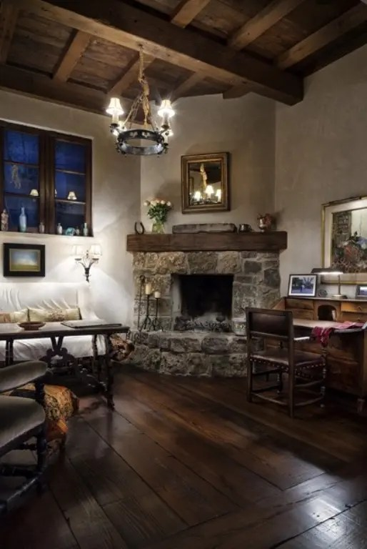 House In A Combination Of Antique And Modern Styles Digsdigs