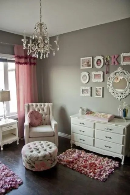 Any of these stylish interior schemes will inspire you to decorate with gray, whether it's through your choice of paint, bedding, or both. Metallic Grey And Pink: 27 Trendy Home Decor Ideas - DigsDigs