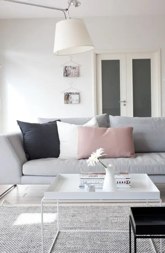 You might be left wondering where to put all of your belongings or how to make the space livable. Metallic Grey And Pink: 27 Trendy Home Decor Ideas - DigsDigs