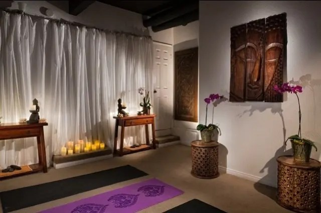 Regardless of how you use it, it would make a great relaxing space. 33 Minimalist Meditation Room Design Ideas | DigsDigs