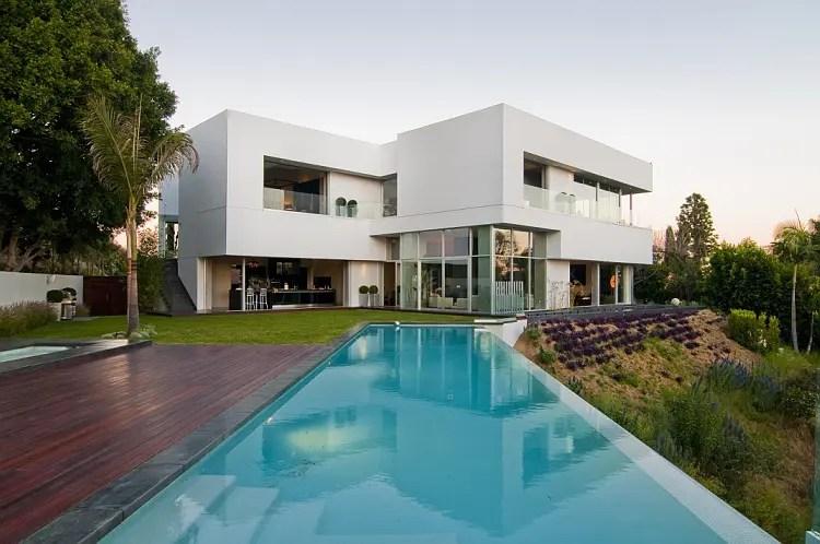 California Modern Luxury Residence Nightingale Drive