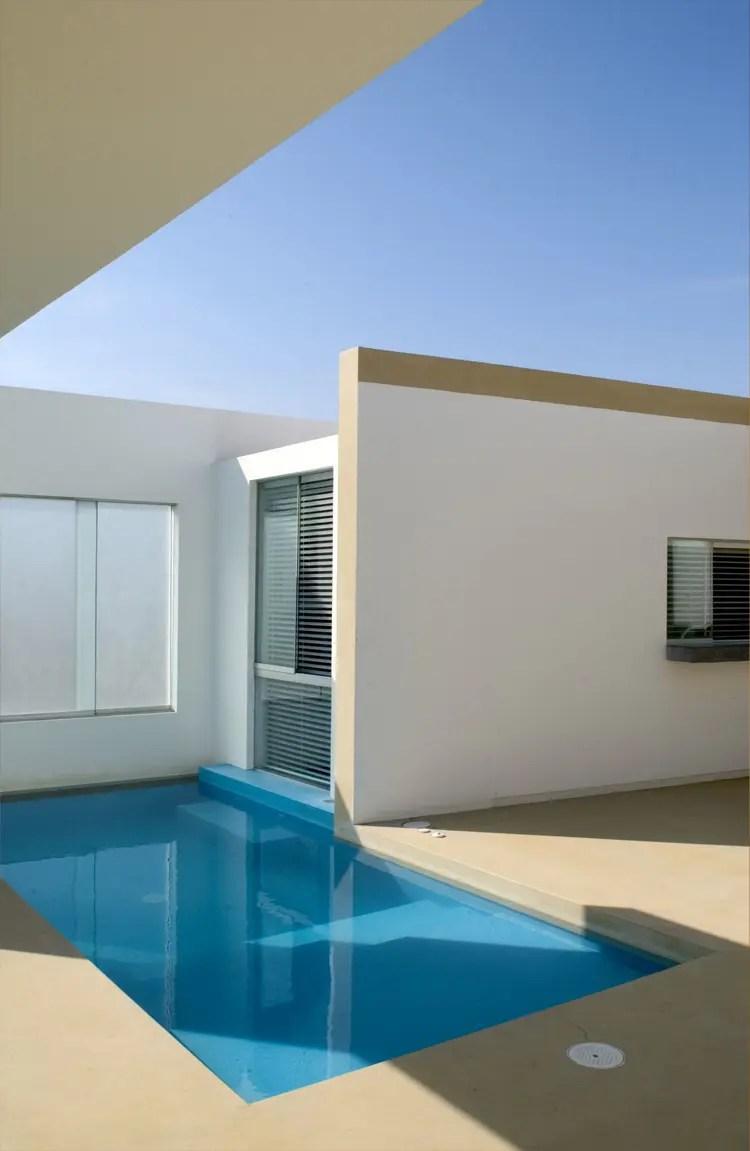 Small Pool Deck Designs
