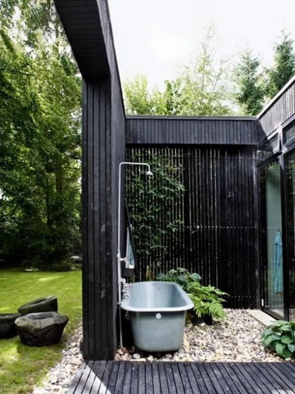 45 Outdoor Bathroom Designs That You Gonna Love | DigsDigs on Backyard Bathroom Ideas  id=29747