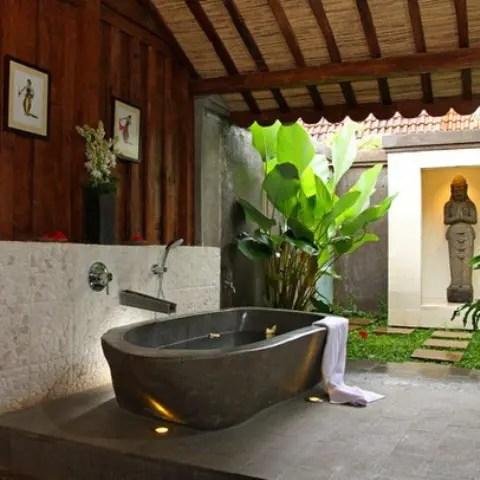 45 Outdoor Bathroom Designs That You Gonna Love - DigsDigs on Backyard Bathroom Ideas  id=23764