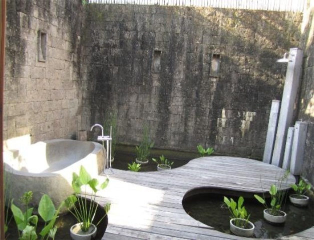 45 Outdoor Bathroom Designs That You Gonna Love - DigsDigs on Backyard Bathroom Ideas  id=63188